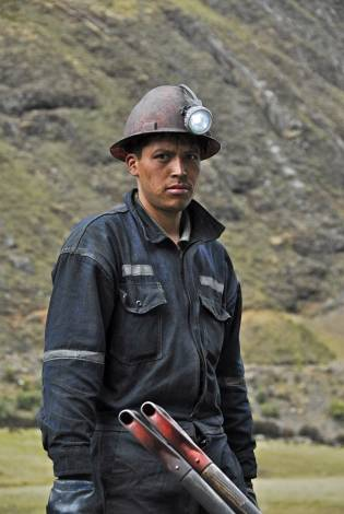Old Fashioned Coal Mining, Peru